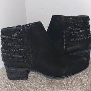 Two pairs ankle boots for the price of one!